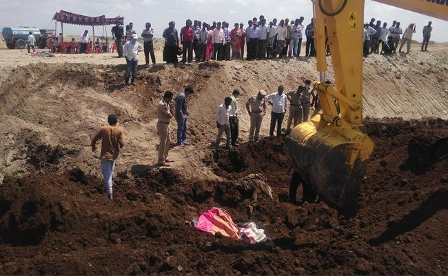 Civil Engineer Dead Body postmortem In PSR Nellore - Sakshi