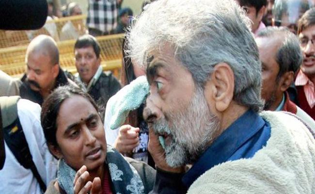 Gautam Navlakha Partner Talks About Police Behaviour Over House Arrest - Sakshi
