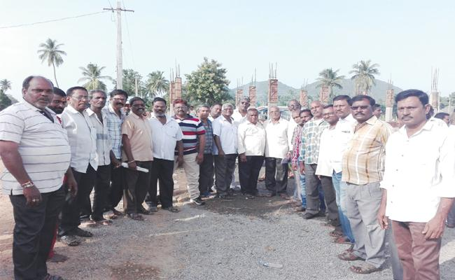 Wages Delayed From 48 Months - Sakshi