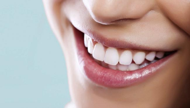 Husband Forces Woman To Remove 2 Teeth To Look Ugly - Sakshi