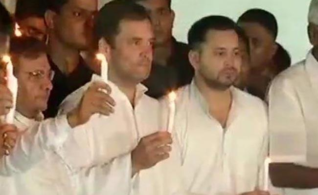 Rahul And Kejriwal Attend To Tejashwi Protest - Sakshi