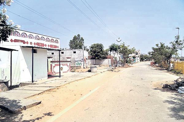 Molestation links from yadagirigutta to siddipeta - Sakshi