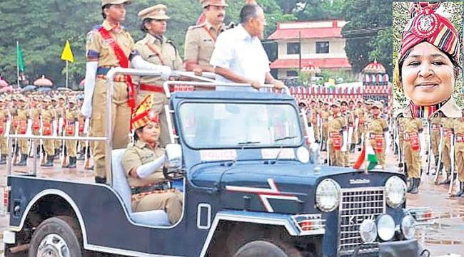 Special story to kerala police Sasindra - Sakshi