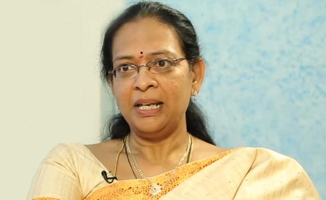 BJP Leader Kolli Madhavi Fires On KTR Over Yadadri Issue - Sakshi