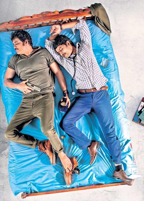 Devadas first look: Nani and Nagarjuna are sloshed - Sakshi