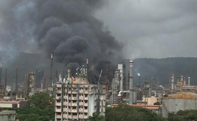 Fire breaks out at Bharat Petroleum refinery in Mumbai, explosions heard - Sakshi