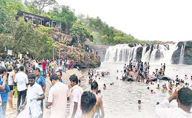 Bogatha Water Falls In Jayashankar Warangal Special Story - Sakshi