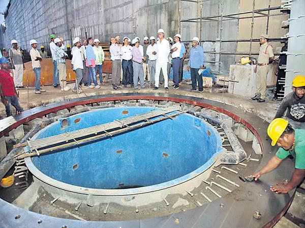 Works should be increased in Medigadda - Sakshi