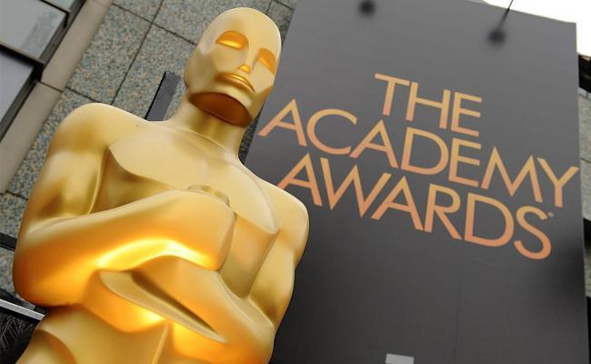 Oscar Awards Will Add Best Popular Film category - Sakshi