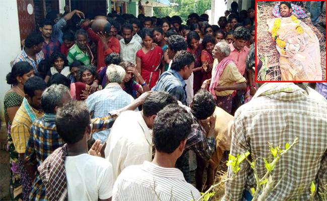 Degree Student Dies Of Dengue Fever In Srikakulam - Sakshi