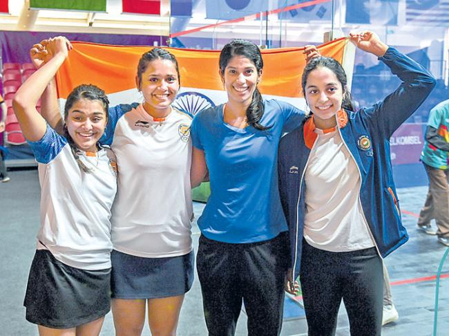 Asian Games: Joshna fires women's team to final in squash, bronze - Sakshi