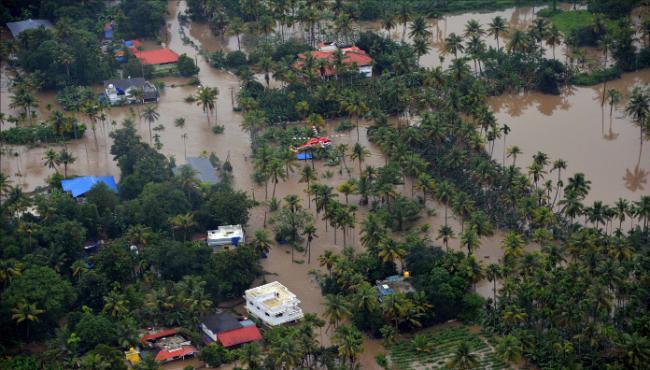80 SouthActors Reunion Donates to Kerala Floods - Sakshi