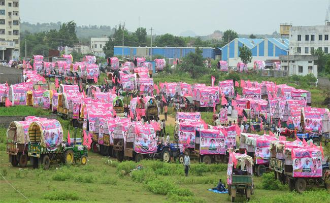Pragathi Nivedana Sabha Farmers Tractor Rally - Sakshi
