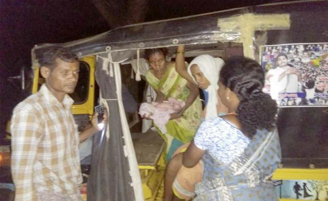 TDP Government Not Taking Care Of 108 Ambulance Service - Sakshi