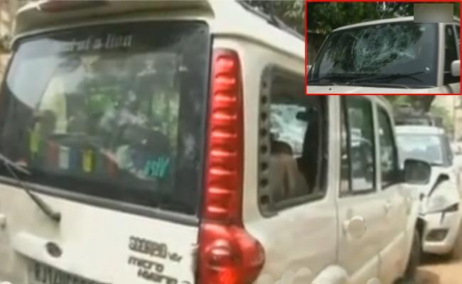 Speeeding SUV Kills Two In Jaipur - Sakshi