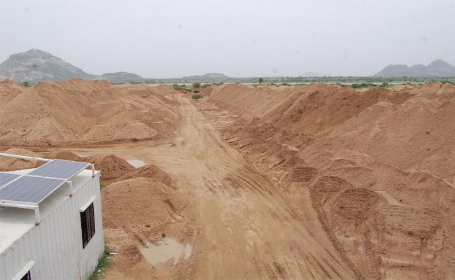 Illegal Sand Mafia  Nalgonda - Sakshi