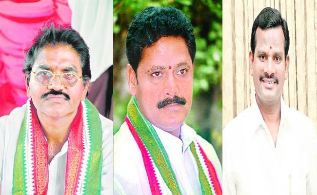 Congress Leaders Join In TRS Karimnagar - Sakshi