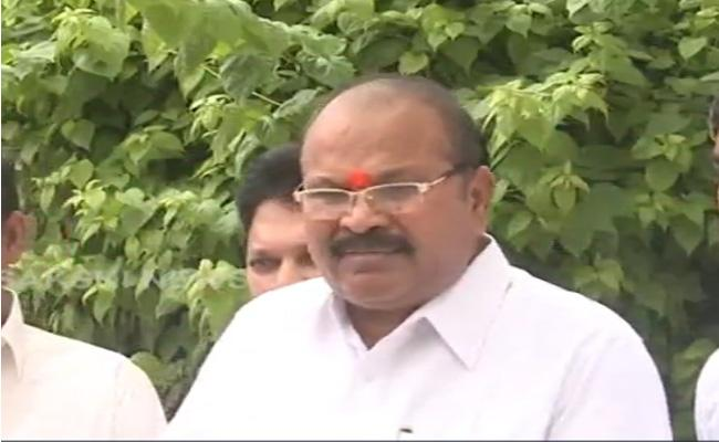 Kanna Lakshmi Narayana Fires On Chandrababu In Delhi - Sakshi