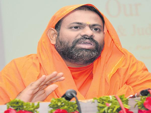 Paripoornananda swami as the Shiv Sena Party CM Candidate - Sakshi