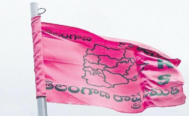 TRS Rebels Protest Against MLA Tickets - Sakshi