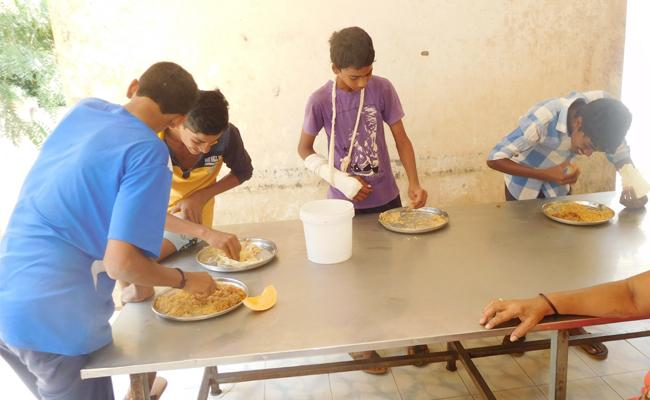 Sport School Hostel Students Suffering With Meal Supply - Sakshi