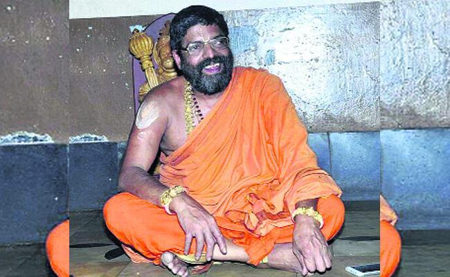 SwamyJi Death Mystery Reveals Karnataka Police - Sakshi