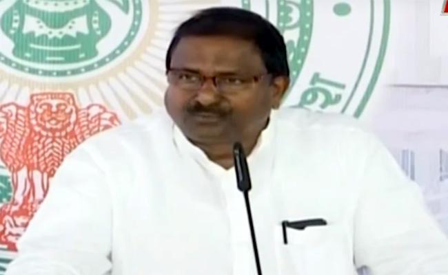 Somu Veerraju Fires On TDP Over Amaravati Construction - Sakshi