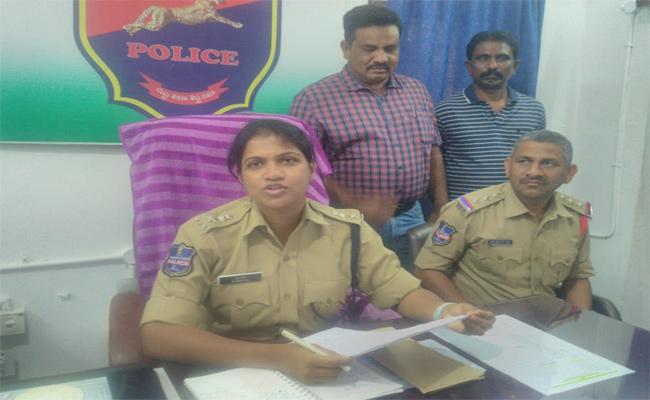 Inter State Thieves Arrested In Nizamabad - Sakshi