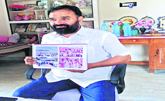 TRS MLA ticket issues Leaders Fair On KCR Warangal - Sakshi