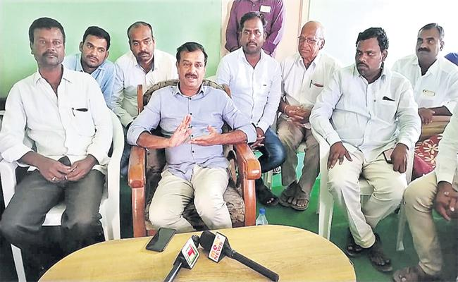 MP Prabhakar Reddy Slams On Congress Leaders Medak - Sakshi