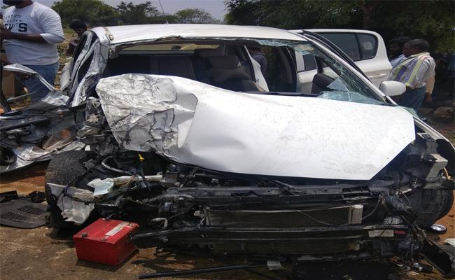 Couple  Died In Car Accident Chittoor - Sakshi