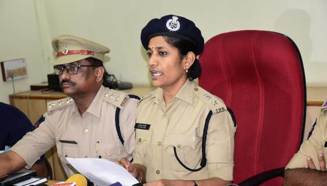 DCP Sumathi Says Jagga Reddy Takes Lakhs - Sakshi