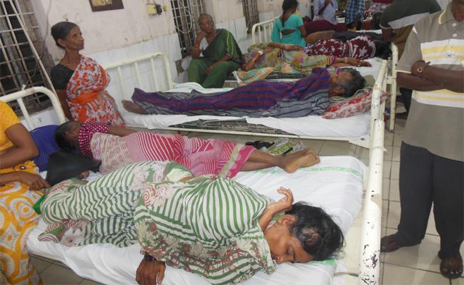 People Sufering With Viral Fever - Sakshi