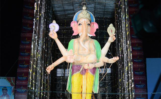 This Year No Doondy Ganesh In Vijayawada - Sakshi