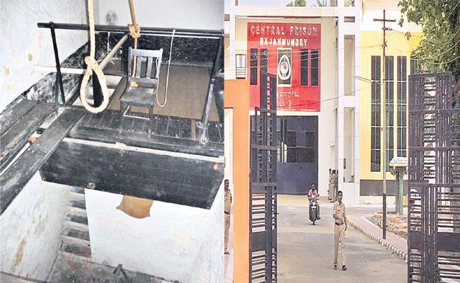 Galos Hang men Posts Empty In Telangana - Sakshi