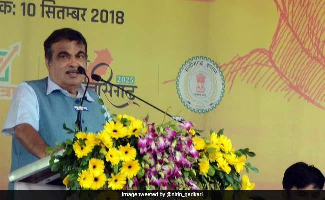 Nitin Gadkari Says Use Of Alternative Fuels Will Cut Down Our Dependence On Petrol   - Sakshi