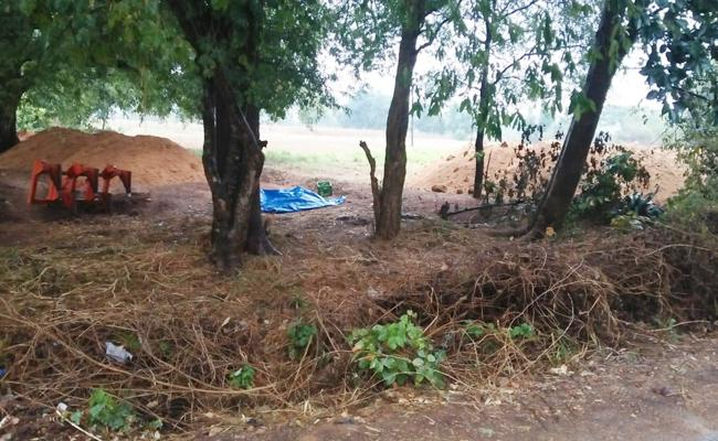 Sand mafia Collapsed Tombs In Chittoor - Sakshi
