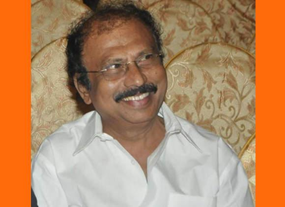 director senthilnathan shocks flim industry - Sakshi