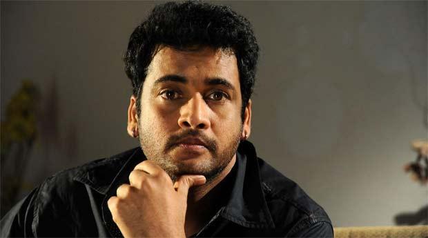 AP State Bjp Vice President Kapileswaraiah Fires On Actor Shivaji - Sakshi