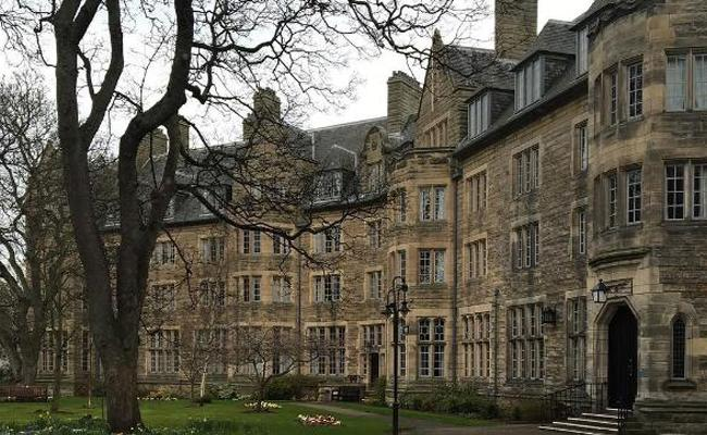 A Indian Father Hires 12 Servants For Daughter In Scotland College - Sakshi