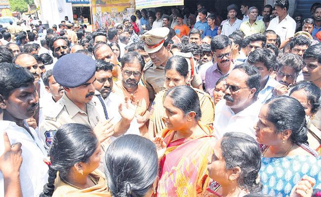 TRS Leaders Fair On Jagga Reddy Medak - Sakshi