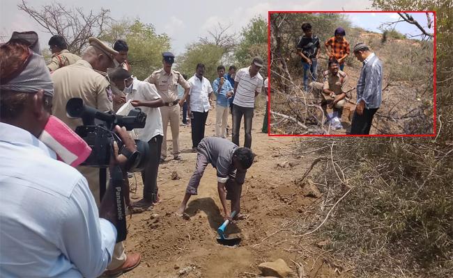 Student Murder Case Reveals In Kurnool - Sakshi