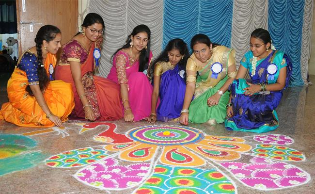 Freshers Day In Anantapur Medical College - Sakshi