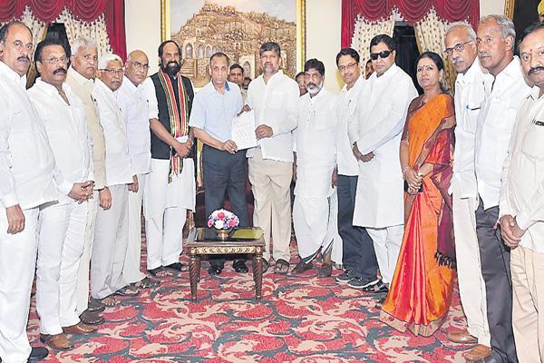 Opposition toils to form coalition against TRS - Sakshi