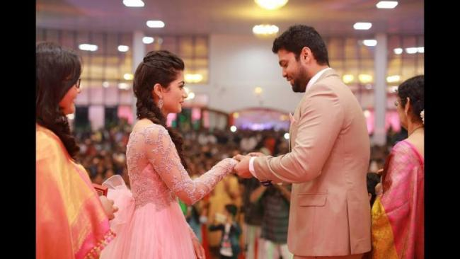 Rakshit Breaks Silence On Rashmika Mandanna And Failed Engagement - Sakshi