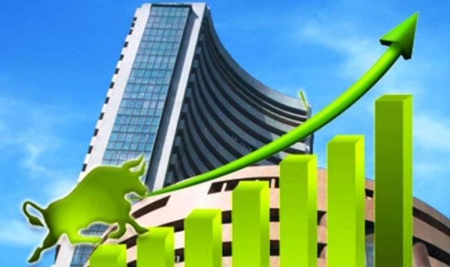Rupee Sharp Recovery Helps Sensex End 300 Pts Higher - Sakshi