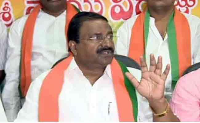 Somu veerraju Fires On CM Chandrababu Naidu Over The Polavaram Project - Sakshi