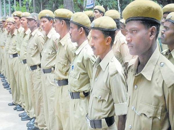 Home Guards in bad situation from last 8 months of losing their salary - Sakshi