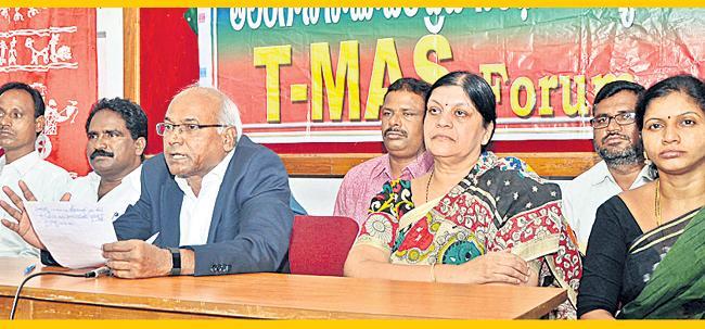 Vimalakka Contest Against KTR, Says Kancha Ilaiah - Sakshi