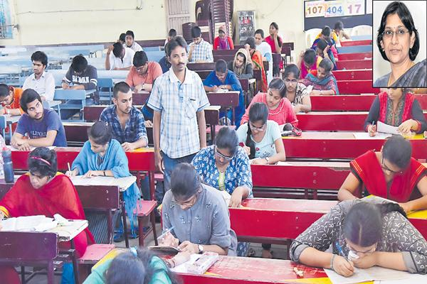 Applicants are 10.58 lakhs for 700 VRO Jobs - Sakshi